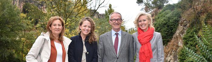 José Guirao con  las candidatas socialistas Carmen Torralba, Gracia Canales y M. Ángeles López