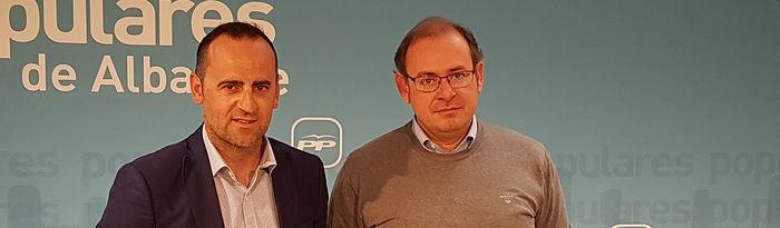 Fermín Gómez, alcalde de Valdeganga y Javier Sánchez Roselló, Concejal de Medio Ambiente en el Ayuntamiento de Almansa.