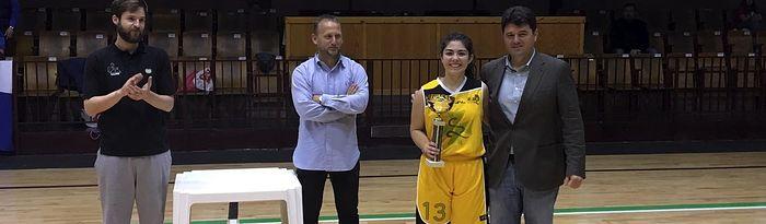 Francisco Navarro asiste a la segunda jornada de la Fase Final Junior de Baloncesto Femenino