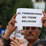 Concentración de la comunidad musulmana de Albacete contra el terrorismo