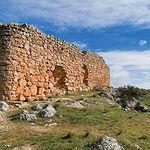 Ruinas del Castillo de Rochafrida, enclavadas en el Cerro de la Morreta.