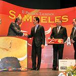 """Paul Abadía """"Serranito"""" recibió el premio """"A la faena más completa"""" en la II Edición de los Premios Taurinos Samueles."""