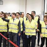 El presidente de Castilla-La Mancha, Emiliano García-Page, inaugura la nueva planta de producción de la multinacional 'Ball Corporation'. (Fotos: José Ramón Márquez // JCCM)