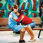 """Carmen Maura y Penélope Cruz durante el rodaje de una escena de la película """"Volver""""."""