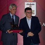 El ganadero Carlos Criado, junto al director provincial de Cultura, Diego Pérez, en la Gala de Entrega de Trofeos Taurinos de la Feria 2018