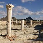 Santuario con sus columnas situado en la basílica del Tolmo de Minateda.