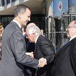 Su Majestad el Rey saluda al presidente del Foro de Marcas Renombradas Españolas (FMRE), y de la Cámara de Comercio de España, José Luis Bonet, en una imagen de archivo de la Casa de S.M. el Rey del 12-11-15