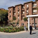 Castilla-La Mancha dispone de 6,4 plazas por cada 100 personas mayores de 65 años. Foto: Jardín de la Residencia de Mayores ubicada en el Barrio del Polígono San Antón de Albacete.