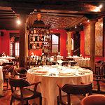 Vista de una de las salas del restaurante Adolfo en Toledo.