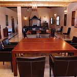 Sala de reuniones y congresos ubicada en el interior del edificio de la finca.