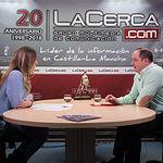 Emilio Sáez, secretario general Agrupación Local PSOE Albacete, junto a la periodista Miriam Martínez.