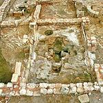 Vista del baptisterio (pila bautismal) situado en el yacimiento del Tolmo de Minateda.