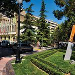 El sector cuchillero de Albacete forma parte esencial de la ciudad, como muestra esta foto de la plaza de la Catedral.