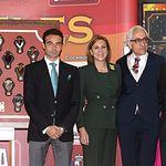 IX Premios Taurinos Samueles. De iz. a d., Enrique Ponce, María Dolores Cospedal, Manuel Lozano y Samuel Flores.