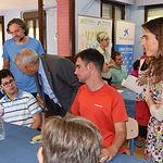 Cooperativas Agro-alimentarias y Obra Social la Caixa realizan un desayuno saludable para personas con discapacidad.