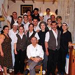 Algunos de los miembros de la gran familia del restaurante Nuestro Bar.