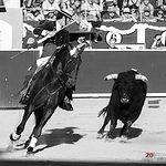 Leonardo Hernández - Su primer toro - ByN Corrida 10-09-17