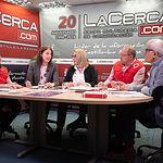 Gemma Olmedo Lara, Coordinadora de Cruz Roja Juventud en la Provincia de Albacete; Emilia Parra, Dinamizadora Mesa de diálogo y gerente de  Vértice Cultural; Laura García, Gerente de Albacete Centro; Francisco Gómez Moreno, Técnico de Empleo de Cruz Roja Albacete; y Manuel Lozano Serna, director del Grupo Multimedia de Comunicación La Cerca