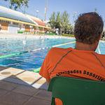 Socorrista en la piscina municipal de Albacete