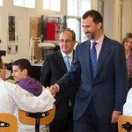 SS.AA.RR. Los Príncipes de Asturias, D. Felipe y Dña. Letizia, durante la inauguración del el curso escolar de FP 2010-2011, en el Centro Integrado de Formación Profesional Aguas Nuevas.
