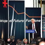 El presidente regional, José María Barreda, durante su intervención tras la firma del Pacto por el Desarrollo y la Competitividad de Castilla-La Mancha, el pasado 30 de septiembre de 2005.