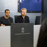 Héctor García y Álvaro Peñarrubia, del Grupo Municipal Ganemos AB, Presentación del acuerdo de presupuestos del Ayuntamiento de Albacete