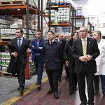 El presidente de Castilla-La Mancha, Emiliano García-Page, visita a 'Pinturas Macy S.A.', coincidiendo con el 40 aniversario de la fundación de esta empresa. (Fotos: José Ramón Márquez // JCCM)