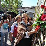 Camen Bayod en la ofrenda de Flores a la Virgen de Los Llanos.