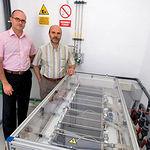 Carlos Velasco, director adjunto de AJUSA, y Pedro Sánchez, director departamento de I+D de Tecnologías del Hidrógeno.
