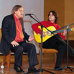 El cantante Manuel Gerena durante su actuación en la gala de los Premios Solidarios 2009.