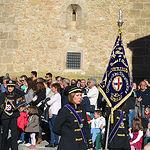 La Banda de Cornetas y Tambores de Jesús de Medinaceli, hermandad compuesta únicamente por mujeres, hace entrada en la Plaza Mayor para su actuación, XIII Edición, año 2017.