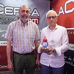 Jesús Igualada Pedraza, presidente de la Hermandad de Donantes de Sangre de Albacete; y Manuel Lozano Serna, director del Grupo Multimedia de Comunicación La Cerca