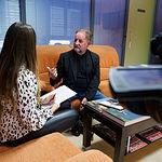 Ricardo Avendaño junto a la periodista Carmen García. Foto: Manuel Lozano Garcia / La Cerca