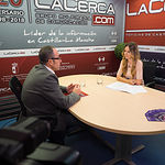 Francisco de la Rosa, secretario regional de CCOO en Castilla-La Mancha, junto a la periodista Miriam Martínez.