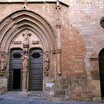 Puerta principal de la Iglesia Arciprestal de Santa María del Salvador en Chinchilla de Montearagón.