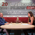 Carlos Pedrosa, secretario general de UGT Castilla-La Mancha, junto a la periodista Carmen García. Foto: La Cerca - Manuel Lozano Garcia