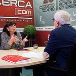 Cristina Narbona, presidenta de la Comisión Ejecutiva Federal del PSOE, junto a Manuel Lozano Serna, director del Grupo Multimedia de Comunicación La Cerca