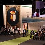 El presidente de Castilla-La Mancha, Emiliano García-Page, preside, en el Teatro Palenque, el acto institucional del Día de la Región. En la imagen, durante su intervención para clausurar el acto. (Foto: José Ramón Márquez // JCCM)