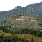 Esta zona de protección especial se encuentra en la unión de las sierras de Alcaraz y Segura, a siete kilómetros del pueblo de Riópar. En la imagen, Riópar Viejo, una zona de gran belleza, semiabandonada, revitalizada por el turismo rural.