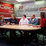Juana Ibáñez, portavoz de MAC (Municipalismo y autogobierno en común); Álvaro Peñarrubia, concejal de EQUO y portavoz de Ganemos Albacete; Nieves Navarro, coordinadora local de Izquierda Unida en Albacete; Alfonso Moratalla, Candidato a la alcaldía y Secretario General de Podemos en Albacete; junto a la periodista Carmen García