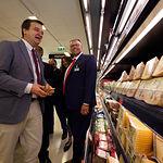 Mercadona incorpora en sus lineales queso de la DO Queso Manchego. Foto: Manuel Lozano Garcia / La Cerca