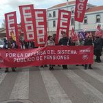 """Concentración por unas """"pensiones dignas"""" en Cuenca"""