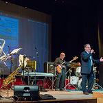 Swing Orquesta y el Coro de Mora llenan el Teatro Principal a favor de AFANION.