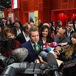 El presidente de Castilla-La Mancha, Emiliano García-Page, asiste en Madrid, a la presentación del proyecto 'El Camino de la Cruz'. En la Feria Internacional de Turismo (FITUR), en el estand de Turespaña.(Fotos:José Ramón Márquez //JCCM ).