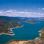 Entrepeñas es un embalse situado en la Alcarria Baja de Guadalajara, en el cauce del río Tajo.