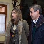 Xandra Falcó, directora general de Marqués de Griñon Fámily States y miembro de la Comisión de Comunicación del Círculo Fortuny, junto a Julián Illán, director general de Dehesa de Los Llanos