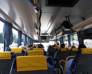 Interior de un autobús.