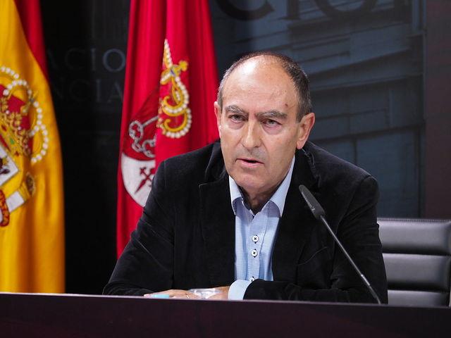 Nicolás Merino, director provincial de Empresas, Economía y Empleo, durante Presentación de  los actos programados con motivo del Día de Albacete en Fitur 2018.