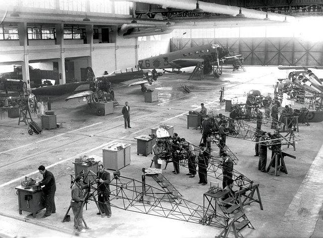 Instalaciones de la Maestranza Aérea de Albacete en los años 50 ó 60 del pasado siglo XX.