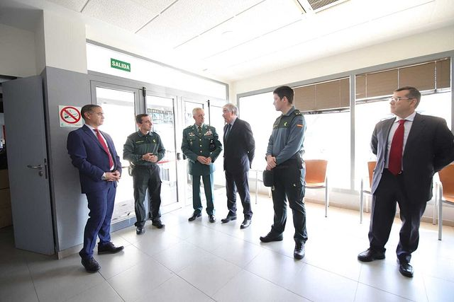 El delegado del Gobierno de España en Castilla-La Mancha y el alcalde del municipio han mantenido una reunión, en la que también han estado el general Jefe de la Guardia Civil de CLM y el subdelegado del Gobierno en Toledo